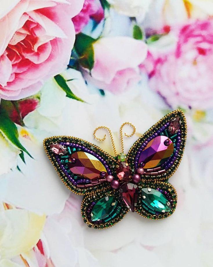 Повтор прекрасной бабочки видели бы вы её в живую чудесная расцветка актуально в любое время года ☝ Под заказ #брошьназаказ #брошьручнойработы #авторскаяброшь #ручнаяработа #брошьизбисера #брошьказань #тренд2018 #весна2018 #лето2018 #подарок #бабочкаброшь #насекомое #брошьнасекомое #бабочка #брошьбабочка #handmade #handworks #brooches #assecories