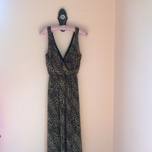 Nasty Gal leopard maxi dress 💕💫 Worn once! In great condition, beautiful dress! Size small dry clean only 💕 Nasty Gal Dresses Maxi