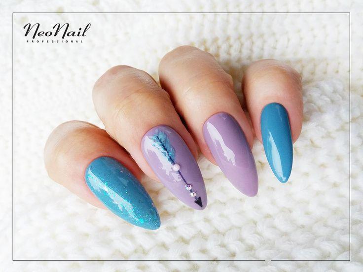 """Fioletowo-niebieska stylizacja paznokci hybrydowych / Kolekcja boho / NeoNail <a href=""""https://www.neonail.pl/product/5817-1-lakier-hybrydowy-6-ml-twinkling.html"""">Sprawdź produkty</a>"""