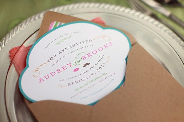 Love the shape and colors of this invite with the kraft paper envelopes. Would be cute for a bday party too. :)