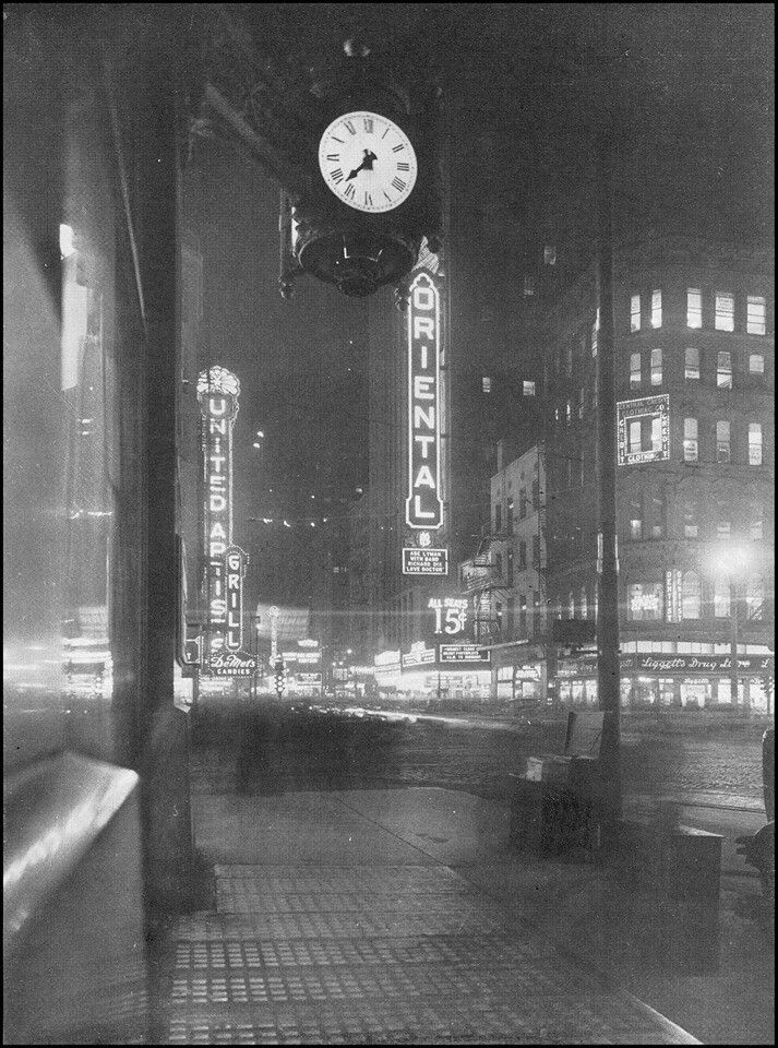 1920's Chicago view of the Oriental and United Artists
