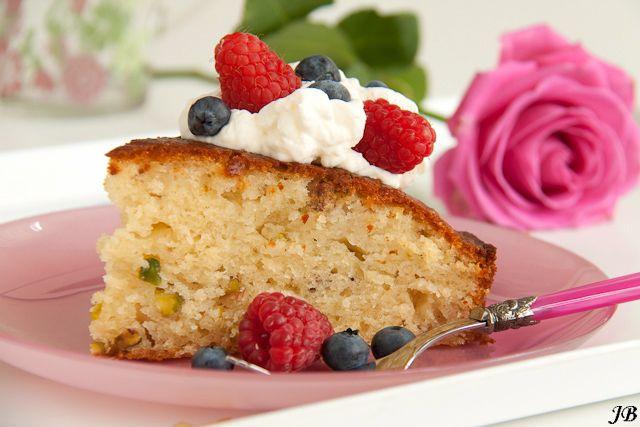 Carolines blog: Limoen-yoghurttaart met rozenwater en pistache