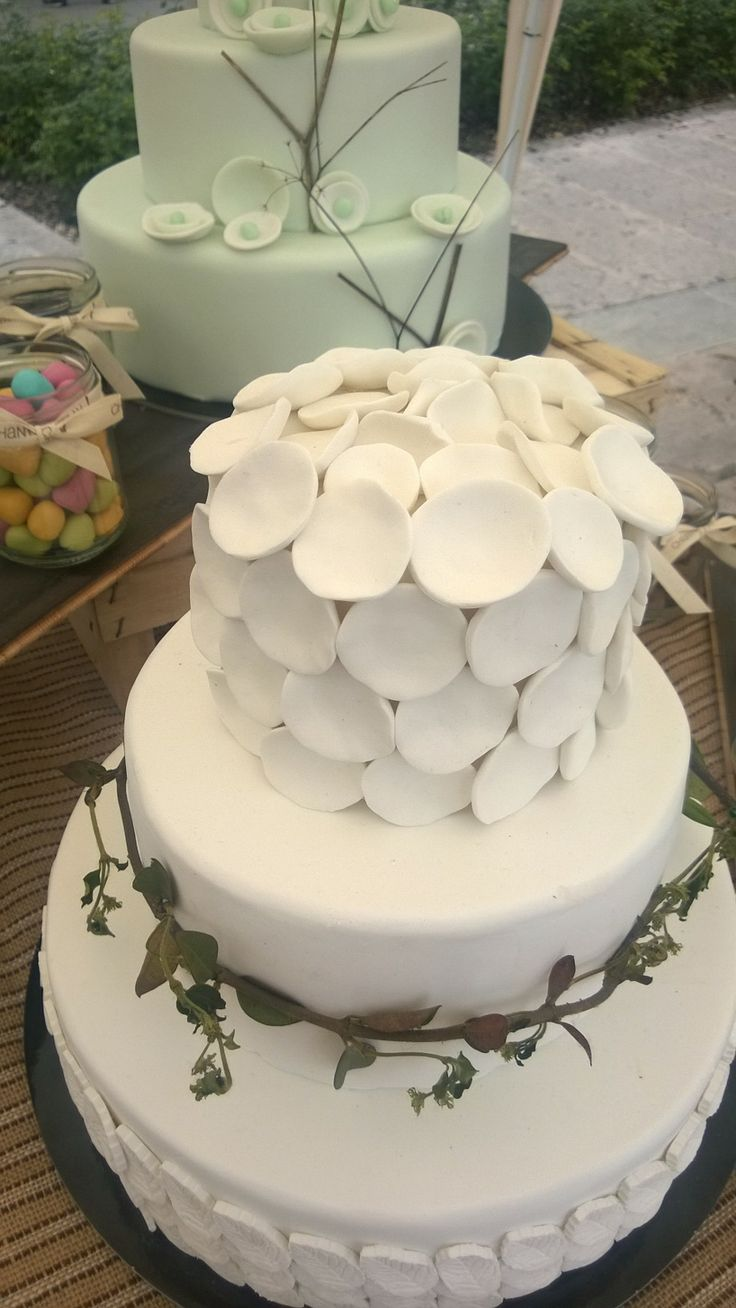 Petali e foglie wedding cake