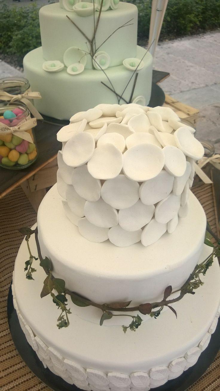 Petali e foglie wedding cake