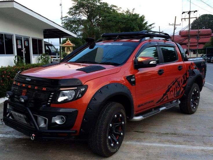 2016 ford ranger wildtrak. If it was either all black or white instead of that burnt orange it would be so much better!
