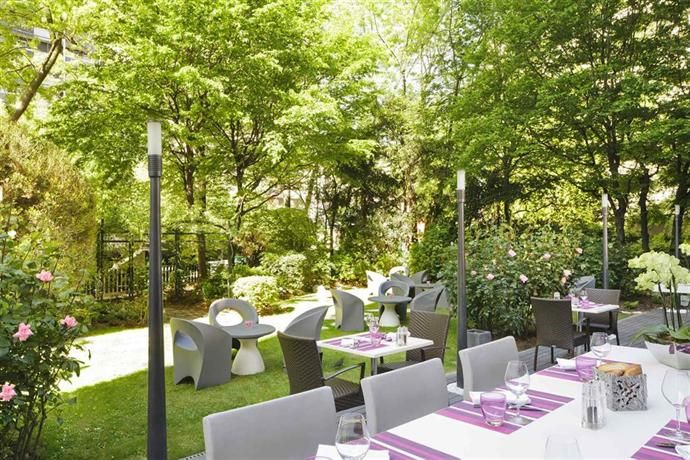 #Hotels - #Mercure #Paris Centre Tour Eiffel. Situated in Paris, this #4-star property is modern and stylish. Guests can also admire views of Eiffel Tower from the hotel.   This traditional hotel provides a 24-hour reception, meeting rooms and 24-hour room service. Wi-Fi is also available