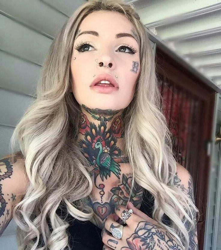 Tattowierte Frau