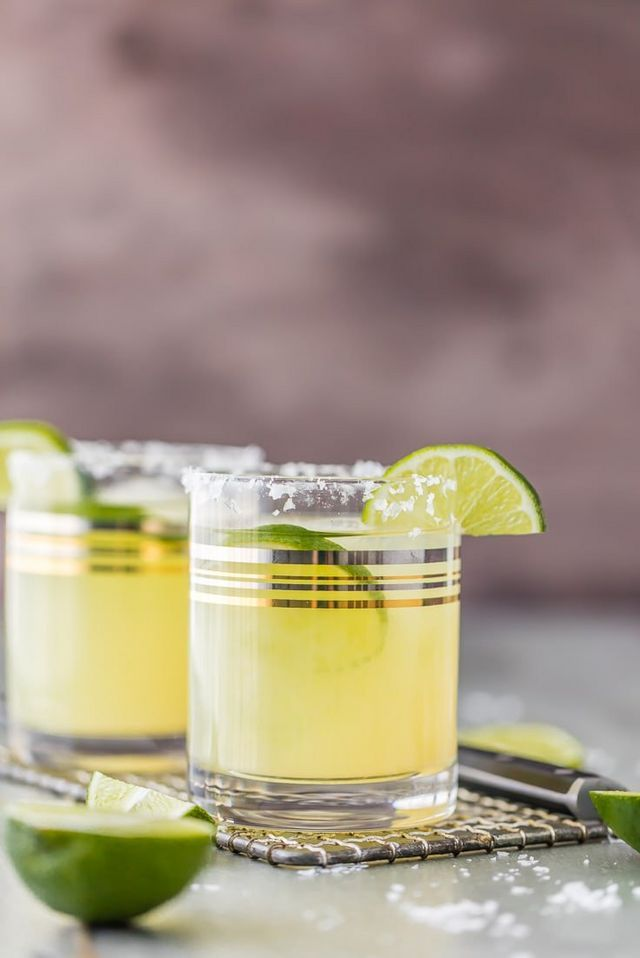A Classic Skinny Margarita is my go-to easy cocktail! Simple ingredients and lots of flavor, not many calories. Guilt-free drink perfect for Cinco De Mayo. I have SO many margarita recipes on the sit