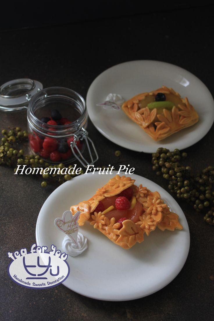 https://www.instagram.com/teaforyout/ https://twitter.com/TeaForYouT How about some homemade fruit pie?   #スイーツデコ #フェイクスイーツ #フェイクフード #粘土 #ハンドメイド #手作り #スイーツ #デザート #タルト #チェリータルト #フルーツ #イベント #SweetsDecoration #FakeSweets #FakeFood #Handmade #Crafting #Clay #Clayart #Sweets #Dessert #Tart #Cherrytart #Fruit