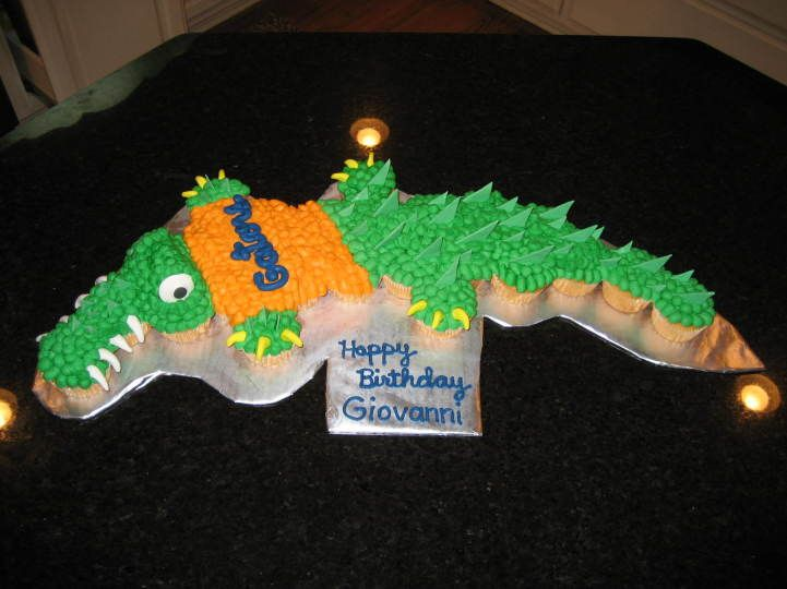 17 Best images about Alligator And Crocodile Cakes And ...