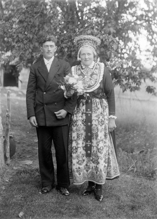 Норвегия.  Свадьба.  1907-1930 People of Sunnfjord photographer Fauske  Неспящие в Торонто