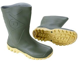 Dunlop Wide-fit Wellies, Size 10, PVC These roomy, wide-fit waterproof wellies are resistant to minerals, vegetable oils, fats, manure and various disinfectants and chemicals. (Barcode EAN=8713197350194) http://www.MightGet.com/february-2017-2/dunlop-wide-fit-wellies-size-10-pvc.asp