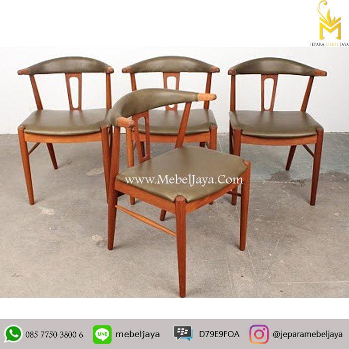 Kursi makan Desain Retro dengan Meja lingkaran cocok sekali untuk kursi cafe dan resto anda, material kayu jati solid terbaik Jepara - Kursi Restoran