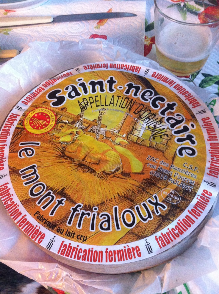Saint Nectaire bought in Saint Nectaire town itself: lasted just three days before disappearing, once started...