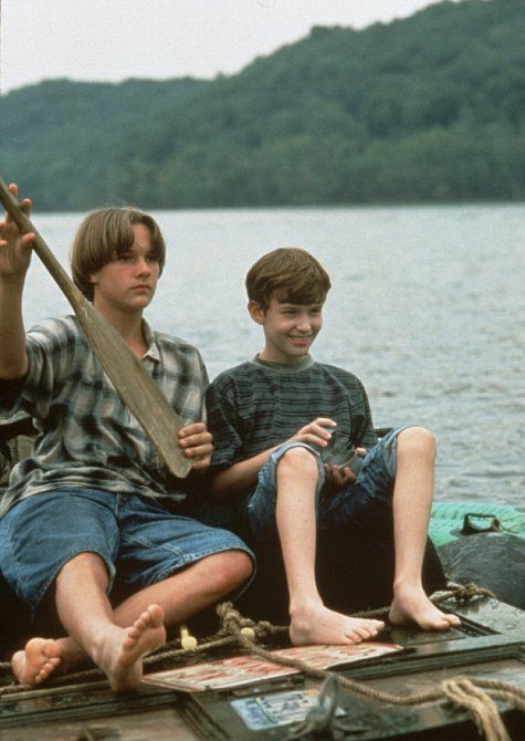 Still of Brad Renfro and Joseph Mazzello in The Cure