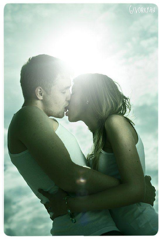 hot romantic couple picture