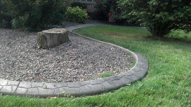Accent Curbz Continuous Concrete Landscape Edging With A