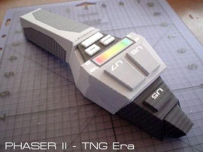 Tektonten Papercraft - Free Papercraft, Paper Models and Paper Toys: Star Trek TNG Papercraft: Type II Hand Phaser