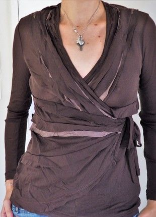 À vendre sur #vintedfrance ! http://www.vinted.fr/mode-femmes/tee-shirts/51272579-t-shirt-manches-longues-marron-promod