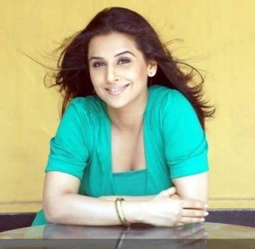 Hot Looking Vidya Balan