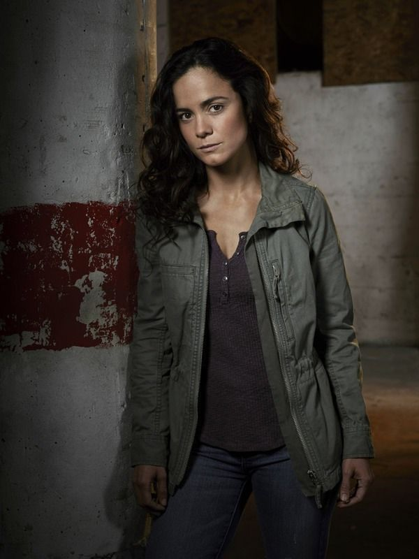 Is 'Queen Of The South' A True Story? Alice Braga Dishes On What Inspired Her New, Badass Role