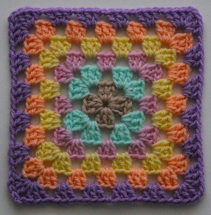 FREE Motif Monday: Granny Square   Sarah London   pattern written in UK/AUS abbreviations