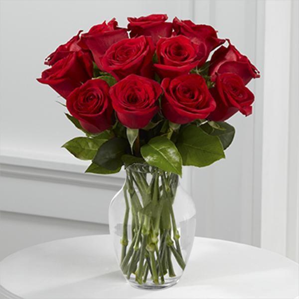 10. Kytica z červených ruží