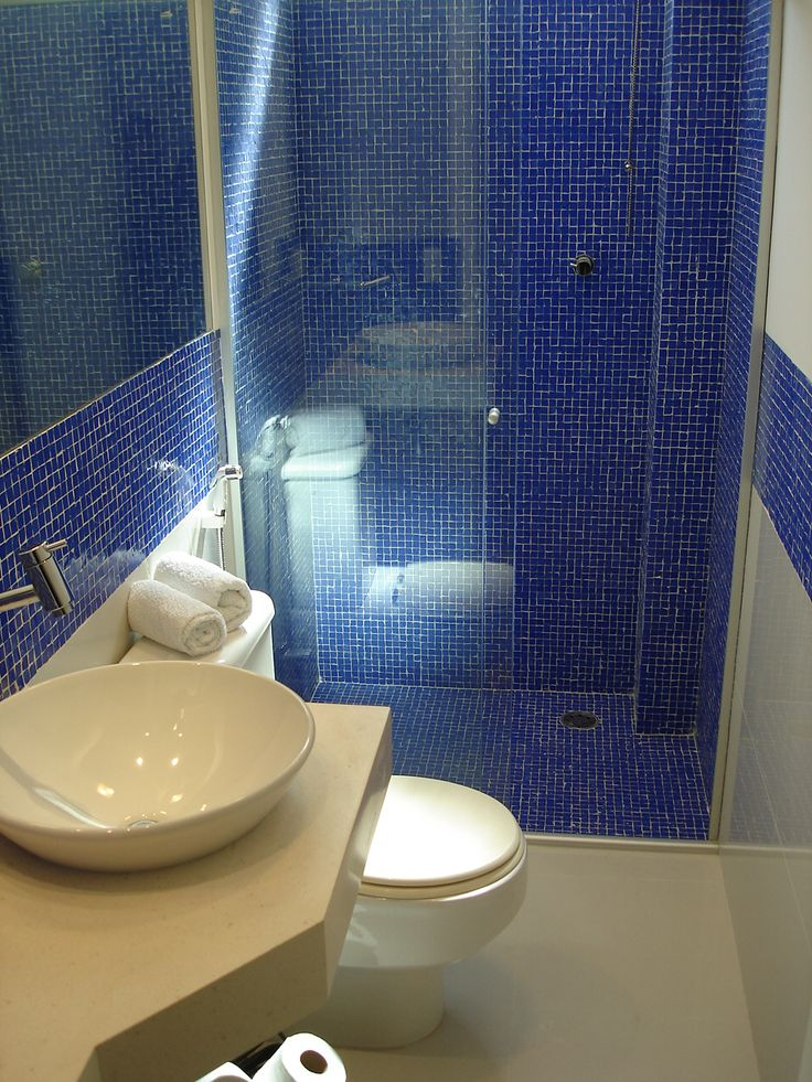 Banheiro com pastilhas de vidro azul httpwwwlimaorsolinicombrinterior -> Banheiro Com Pastilha De Vidro Amarela