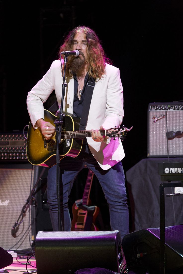 Lee Harvey Osmond (Tom Wilson) opening for Burton Cummings & Band at Massey Hall in Toronto for the 2014 Canada's Walk of Fame Festival.