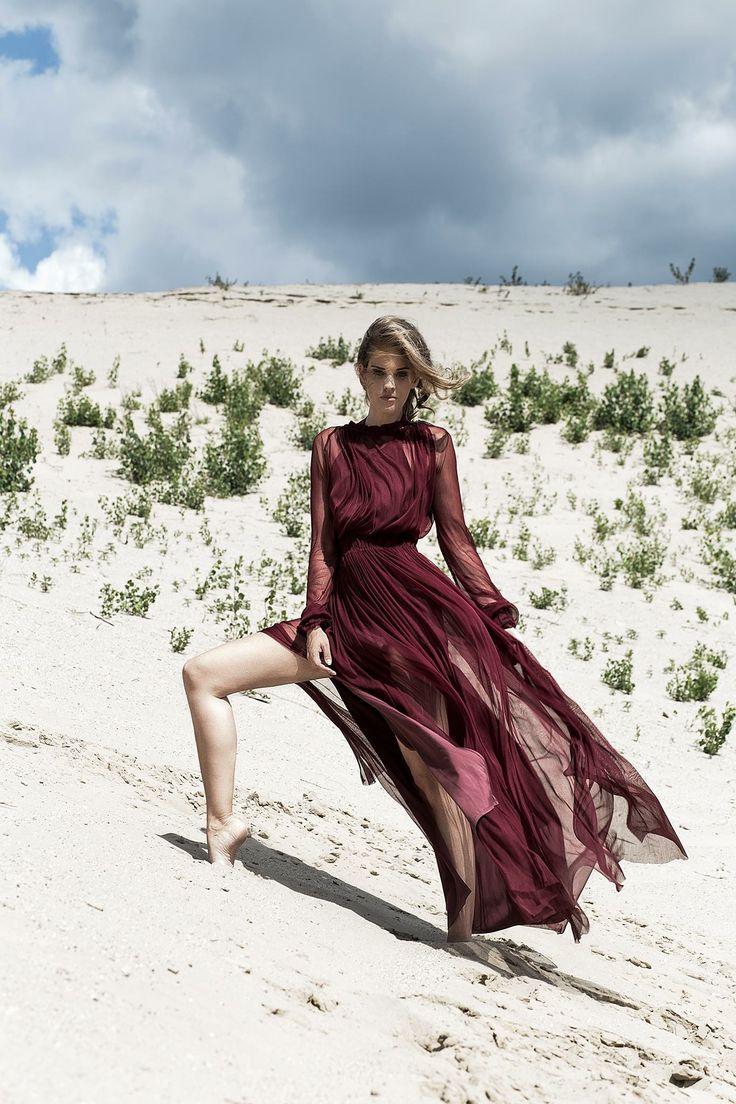 Nora Sarman / the Burgundy Betti / Berillphotography