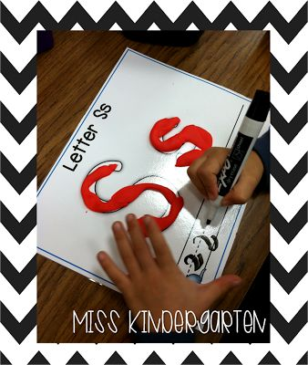 Miss Kindergarten: Literacy Center Ideas!
