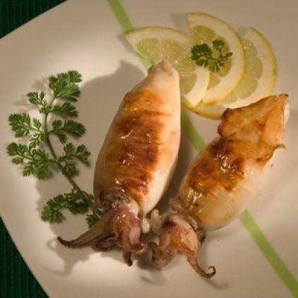 Καλαμάρια γεμιστά στην κατσαρόλα - gourmed.gr