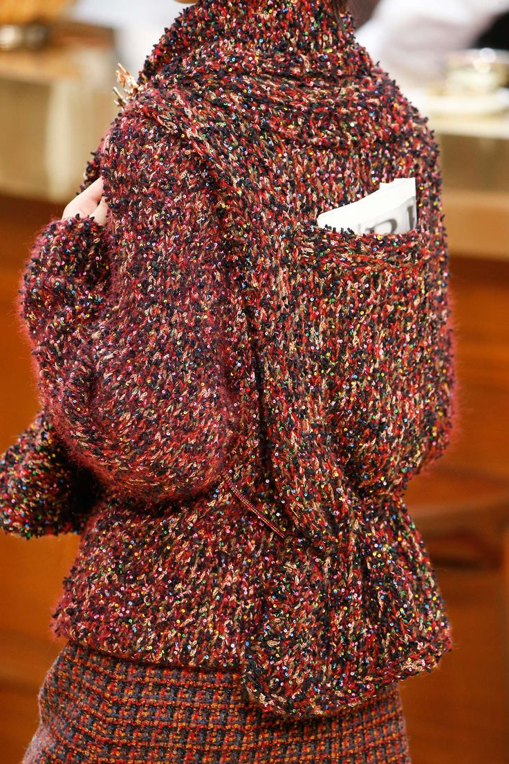 Chanel - Fall 2015 Ready-to-Wear - Look 39 of 161