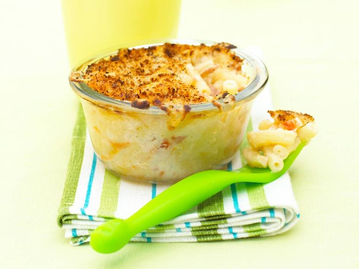 I know lots of fussy children who only ever want to eat plain pasta with grated cheese. Maybe with a little gentle persuasion they could be enticed to try this tasty macaroni cheese. You can make this macaroni cheese with or without the ham and tomato