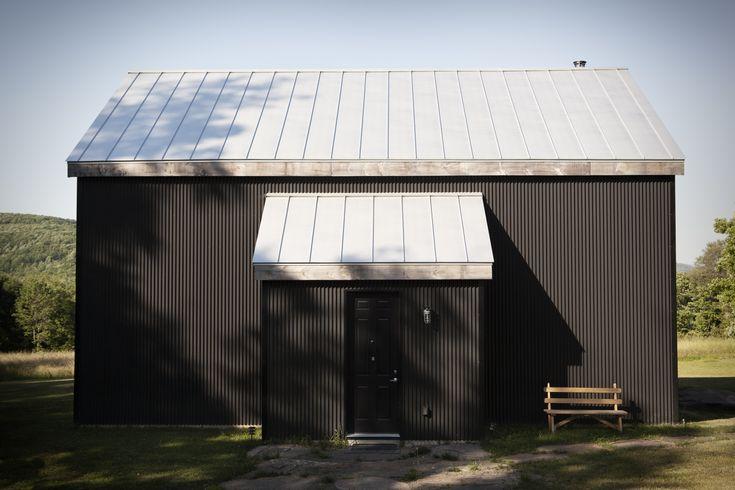 Catskills House Black Steel Cladding Exterior