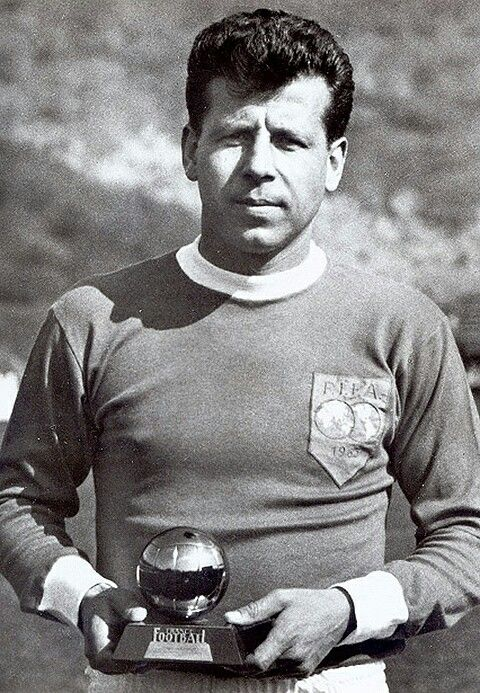 Josef Masopust of the Rest of the World in 1963.