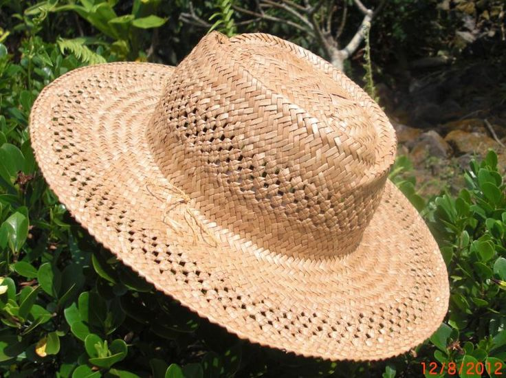 Kona lauhala hat loversknot on crown and brim3qtr
