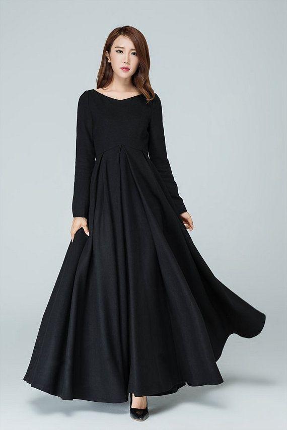 DETAIL * Gemaakt van zwarte wol mix, Polyester voering * V-hals * Een verdekte rits * geplooid op de taille * Prom jurk, trouwjurk, feest jurk, avondjurk * Elegante wol winter jurk   SIZE GUIDE  Beschikbaar in vrouwen U.S. maten 2 tot en met 18, evenals aangepaste grootte en plus grootte.  Maattabel PDF https://img1.etsystatic.com/117/0/7768512/icm_fullxfull.88761713_kppuw4pg028c0wso0ckk.pdf  FOTO https://img0.etsystatic.com/106/0/776851...