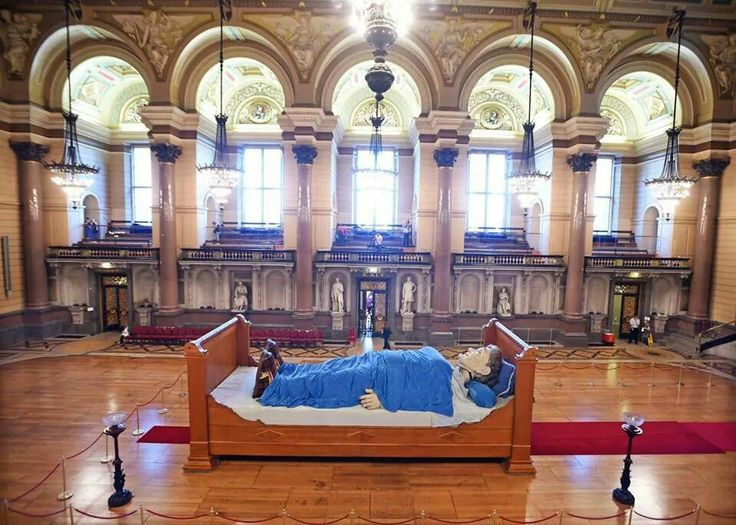 Grannie giant sleeping in the amazing st georges hall