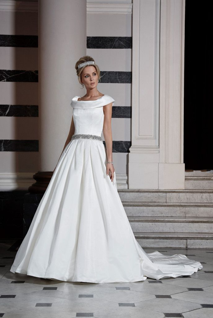 Ian Stuart- Montecarlo. Available at The Tailor's Cat, Cambridge 01223 366700