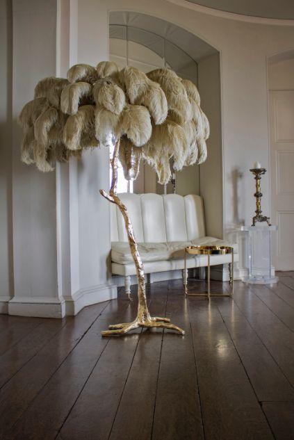 lampe plumes d 39 autruche pascal tavasier pi ce cr e la demande palmier illuminant. Black Bedroom Furniture Sets. Home Design Ideas