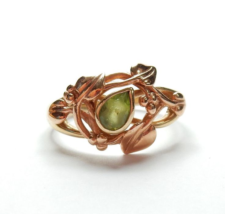 9 Carat Yellow Gold Rose Gold Fronted Peridot Rennie Mackintosh Style Ring 4g #Solitaire