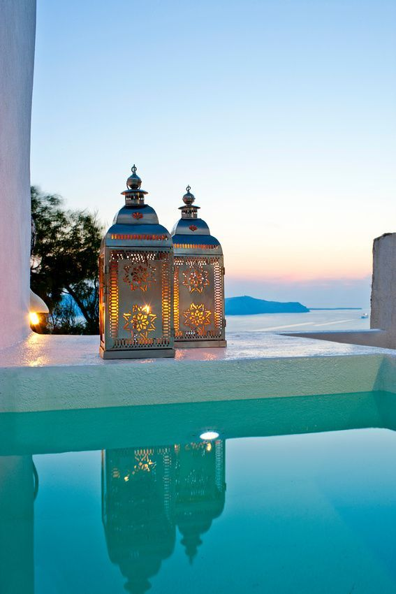 We love these gorgeous Moroccan lanterns featured in an idyllic setting!