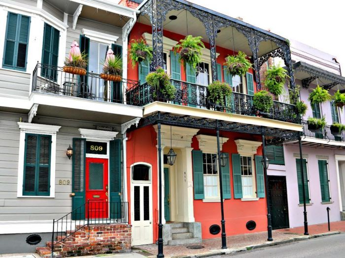 New Orleans Architectural Style Is Full Of Character And Charm New Orleans Architecture New Orleans Apartment New Orleans Homes