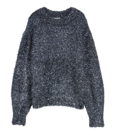 Black/green glittery. Sweater in a soft, fluffy knit with glittery threads. Dropped shoulders and wide sleeves.