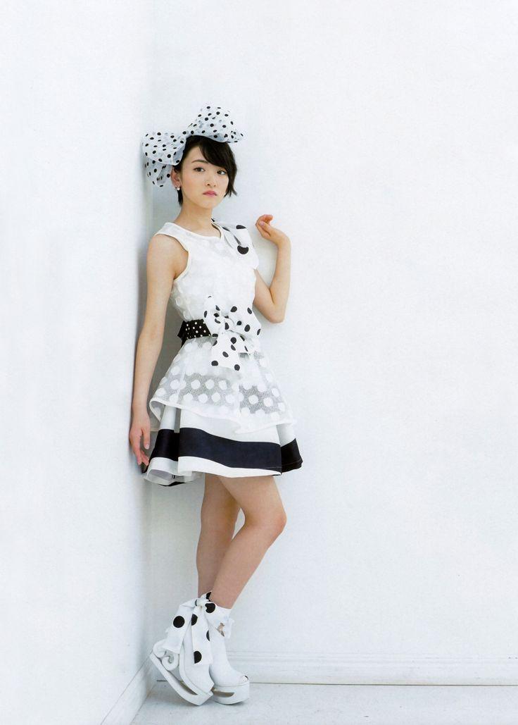 yic17: Ikoma Rina & Ikuta Erika (Nogizaka46) | UTB+ 2015.09 Issue