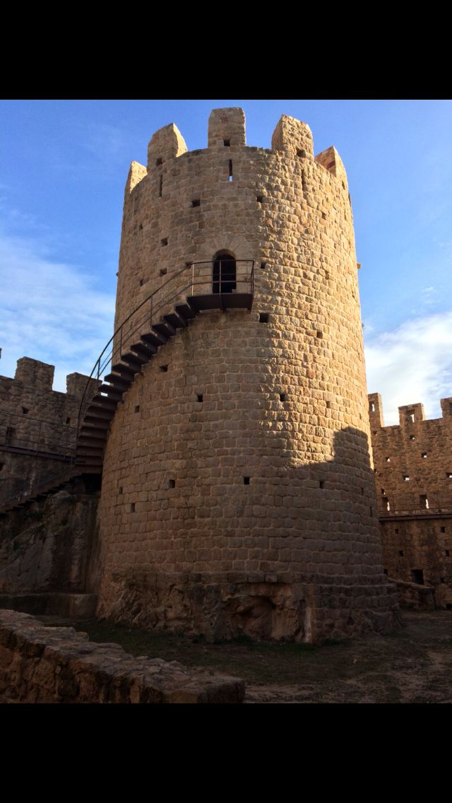 Castillo con buenas vistas desde lo alto de la torre!!