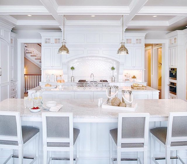Happy Saturday Loving This Beautiful White Kitchen And Those Double Islands Houzz Stud Kitchen Layout Kitchen Inspirations Double Island Kitchen