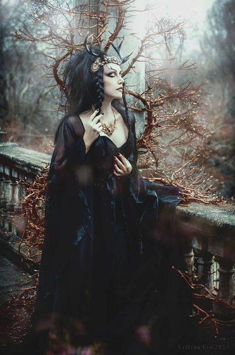 Model/MUA: Lady AmaranthPhotography: Lillian Liu PhotographyHeaddress: Hysteria…