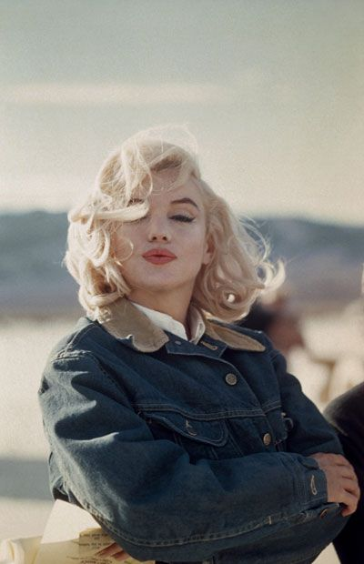Magnum photographer Eve Arnold's image of Marilyn Monroe in the Nevada desert during the filming of 'The Misfits', 1960